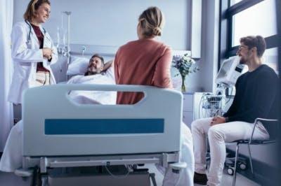 paciente recuperándose de un derrame cerebral