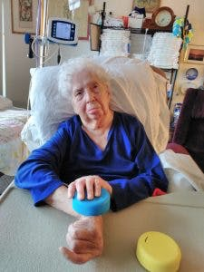 woman telling her stroke recovery stories from the hospital bed