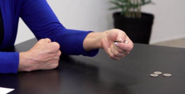 ejercicio de manos hemipléjicas difíciles posición media