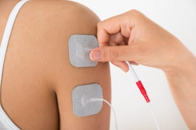 electrical stimulation helps with pain management in traumatic brain injury recovery