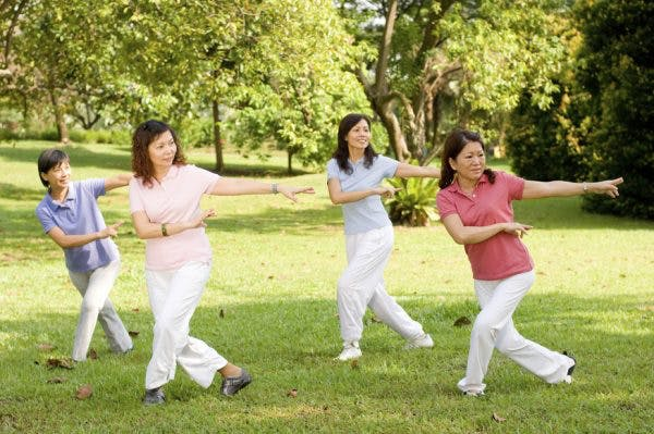 practicing tai chi for stroke recovery