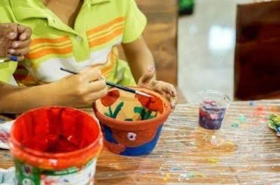 painting to improve hand function in children with cp