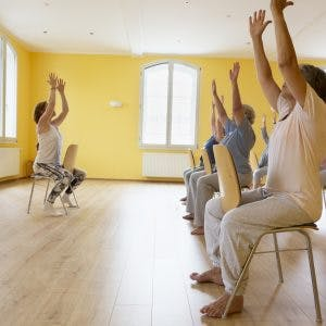simple sitting balance exercises or spinal cord injury patients