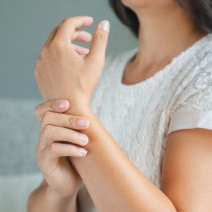 best ways to treat a swollen arm after stroke