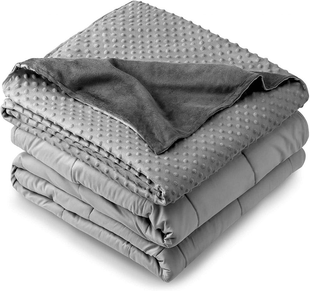 weighted blankets make great gifts for brain injury patients with anxiety