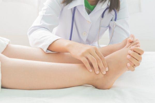 spinal cord injury swollen leg treatments
