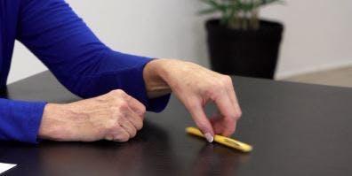 Übungen-für-Schlaganfallpatienten-10
