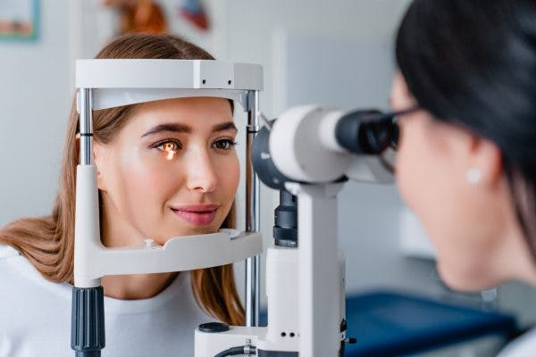 eye doctor examining patient for nystagmus after head injury