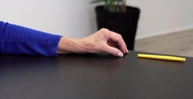 Endposition für Handübungen bei Schlaganfallpatienten