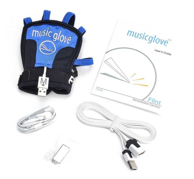Auf dem Tisch liegende MusicGlove-Handtherapiestücke