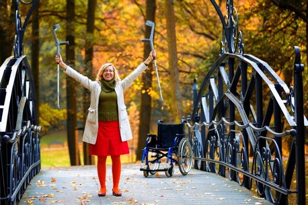 how long does it take to walk again after spinal cord injury