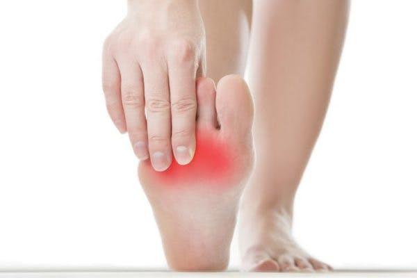 comment réparer les orteils enroulés après un AVC