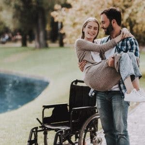 couple practicing tips to improve quality of life after spinal cord injury